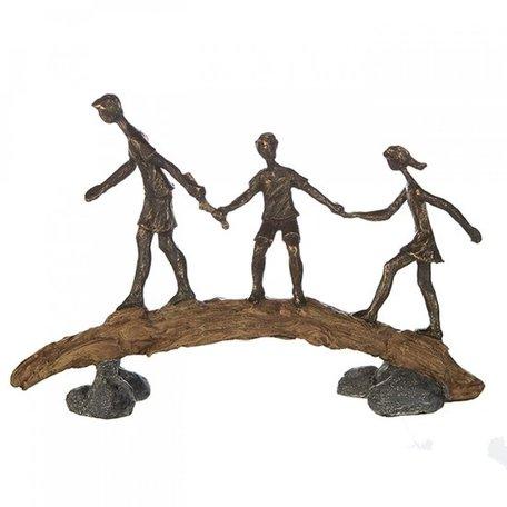 Sculptuur   vader met kinderen