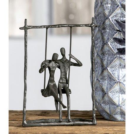 Sculptuur 'liefdes-schommel'
