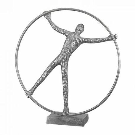 sculptuur man in ring zilver