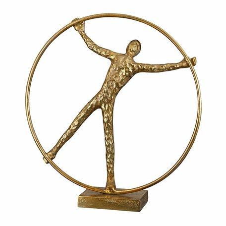 sculptuur man in ring goud